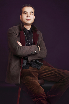 李勇--创意三中心首席 <了解更多>
